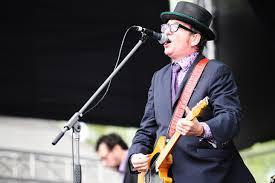 סיפור מוזר מפי Elvis Costello